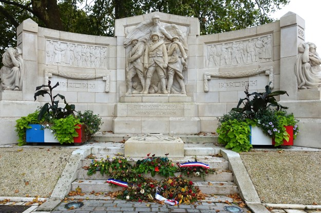 Memorial at Bourgues. Both wars are given equal prominence on the face of the memorial but, as is the case everywhere in France, the great majority of the names of the dead come from WW1.