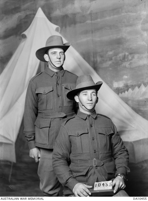 portrait of 2 privates, probably 2641 Herbrt Gilfoy (standing) and 5553 John Ernest Mayall. Courtesy of AWM